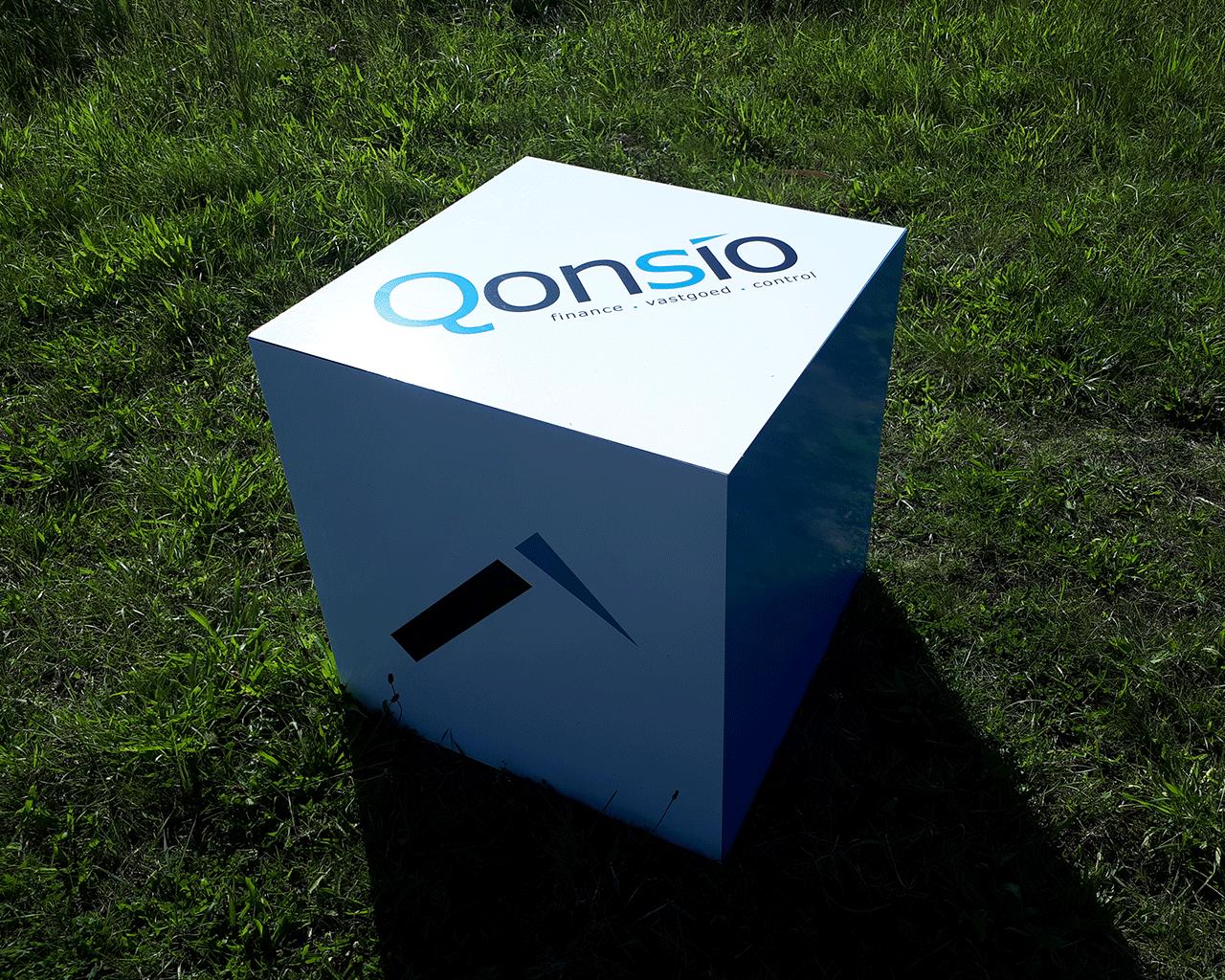 Volledig geprinte kubus of zitblok voor beursinrichting en stand of ter decoratie