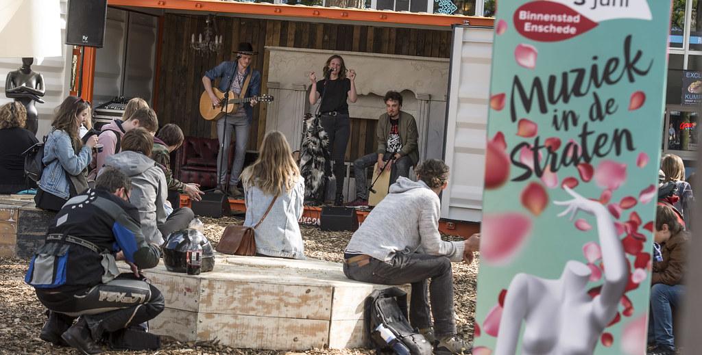 Signing en reclame tijdens festival, stadsfeest en concerten